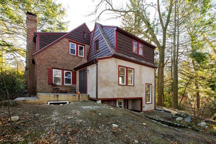 Cottage Tudor